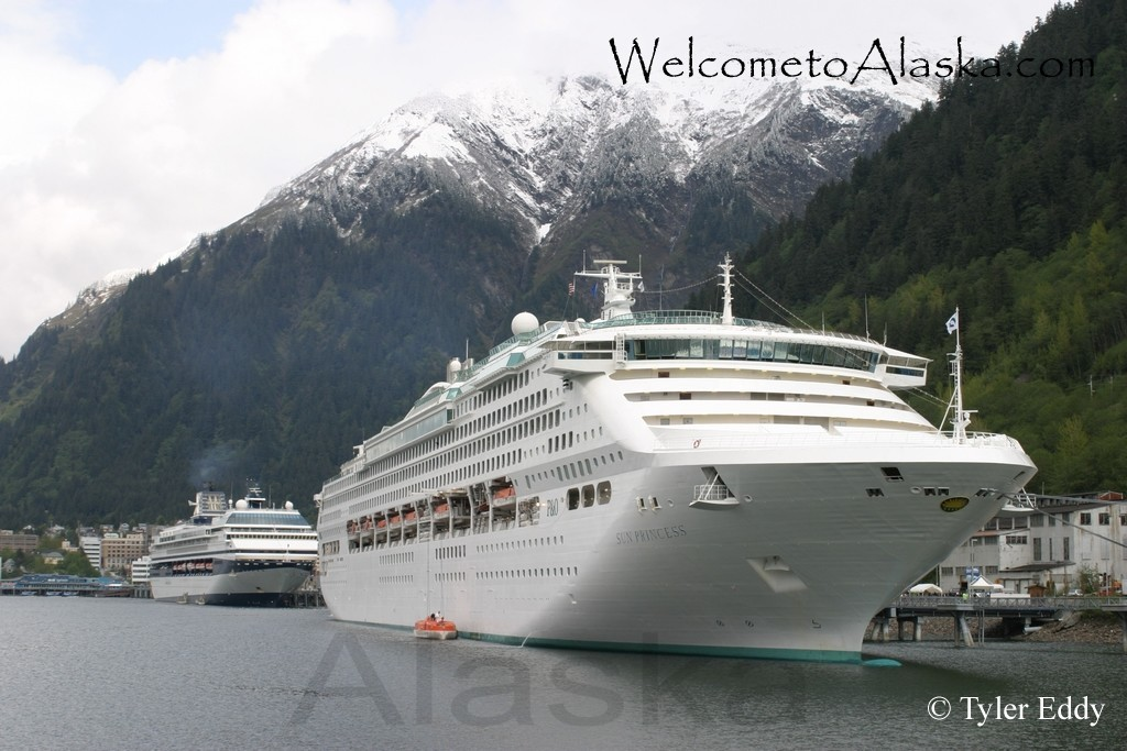 Tour Ships in Gastineau Channel/Juneau